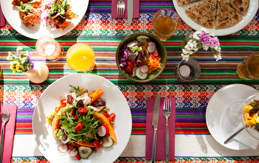 JDS table w food